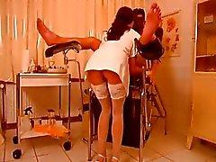 La enfermera caliente torturan individuos polla
