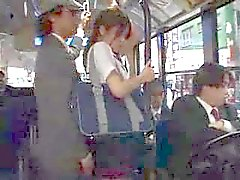 Cocks attack i bussen ... F70