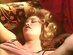 Arcadian järven , Merle Michaelsin blondi mustaa silkkiä ( 1,979 tuhatta )