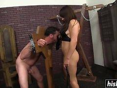 Lea Lexis makes him worship her feet