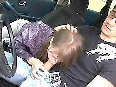 18jährige serbischen Mädchens gefickt am Fahrzeug