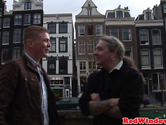 Pussyfucked holländska Hooker välkomnar turister