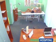 FakeHospital Claustrophobic seksikäs Venäjän vaaleat näyttävät rakastaa gorgeous nurse