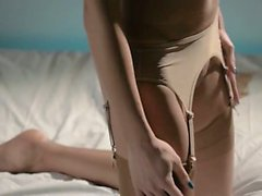 Порно мужчина кончает от страпона видео 94