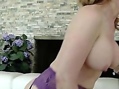 Горячая Housewife сначала Squirt