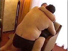 Döbel fickt seinen Fatty Vati