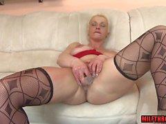 big tits mature sex and cumshot clip