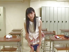 Rei uses vibrator in classroom