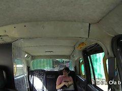 Pelosa amatoriale figa sfondare di taxi