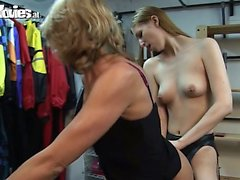 Young girl bangs a kinky older lady with a strapon