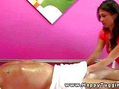 Sexy de asien masseur jerking mec sexe