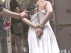 Court Kinky songe des le talonneur attachée