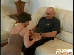 Licking old pussy and get wet blowjob
