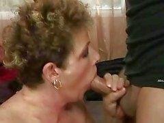 Granny ottiene la figa peloso scopato