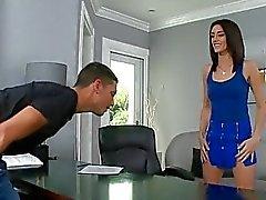 Cinsel olarak bir heyecan eğlence meraklısı zengin kız sikme ile ödüllendirildi alır
