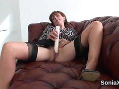 Cheating english mature gill ellis flaunts her heavy boobies