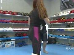 Seksikäs Aasialaiset Jumalatarta karaten Feet KO ( Amazing Victory Aiheuttaa Kiilto )