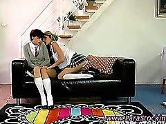 Ragazzi della calza britannica lezzing up