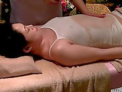 Lesbian oljemassage Luxury Gift 07C ( censurerade )