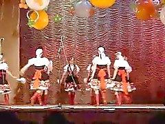 Upskirts in dans