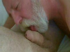 Baard papa klap en eet cum