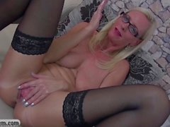 Mature teacher gives dirty lessons