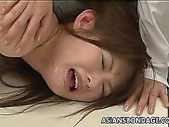 Sidottu japani kanan facefucked ja sodomized