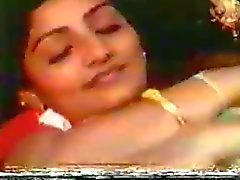 Indiska Boob Suck filmklipp