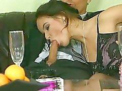 Cocos de Brown - de jeune mariée fucked deux mecs
