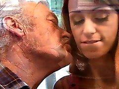 Suerte pedo viejo jode adolescente de atractivo pelirrojo Erica Fontes