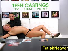 FetishNetwork Carly Marie sexo adolescente bdsm