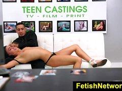 FetishNetwork Carly Marie sexo adolescente bdsm