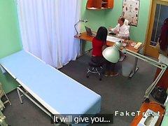 Büro hastalarda üzerinde bükme sahte hastanesinde gets