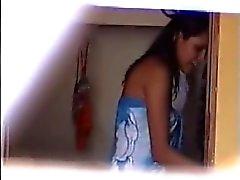 Peeping på 2 brasilianska flickor Klä - Voyeur