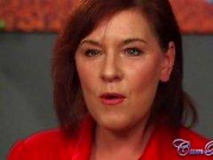 Britisch Milf Schoko Wendy Taylor hat CUM Bucket Herausforderung