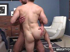 Big Dick homo anaali seksiä ja creampie