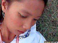 Азиатская милая Подростка глотают кончина За пределами