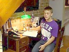 Nuorta luiseva cute poikaa joilla Gayseksi ensimmäisellä kertaa Ryanin on