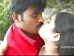 Telugu Hot aunty romanzo accanto a scogli