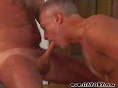 Tabaklanmış Olgun Gay Cock slurping