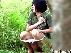 Asian kvinnor reta de offentliga