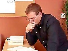 Venäjän ruskeaverikkö saa hyvän Spanking yhteydessä Haastattelu