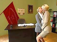 Blonde Office lesbiennes