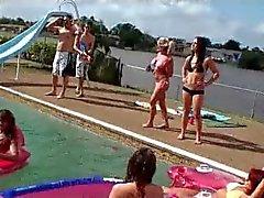 Veronica Rodriquez aka Barbie ja Liz - Pool Party