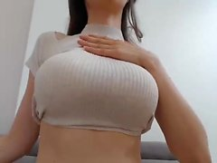 Very Sexy Russian Amateur Teen Toys Pussy On Webcam