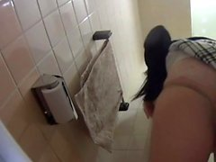 Japanese babe urinates