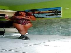 Crazy Dinha bailando mucho, parte 2