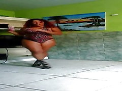 Crazy Dinha dancing a lot part 2