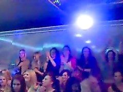 Реальные CFNM партия Неряхи заглатывание в хуи
