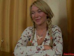 Venäjäksi blondi muru Tries uusia asioita